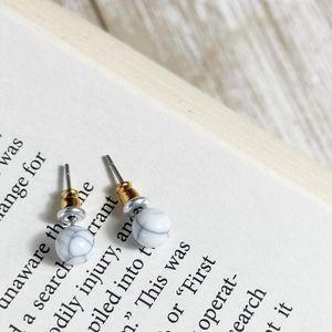 SMALL DAINTY MARBLED BON BON EARRINGS